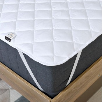 Наматрасник IDEIA Comfort с резинками по углам